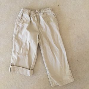Hanna Andersson Capri roll up khaki pants size 110